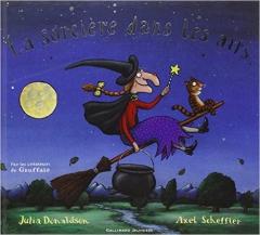Julia Donaldson - La sorcière dans les airs.jpg